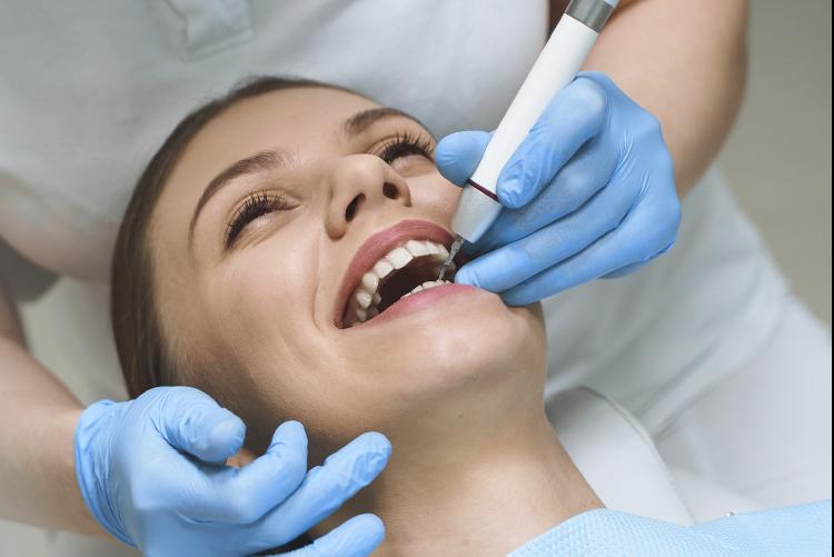 La importancia de acudir al dentista